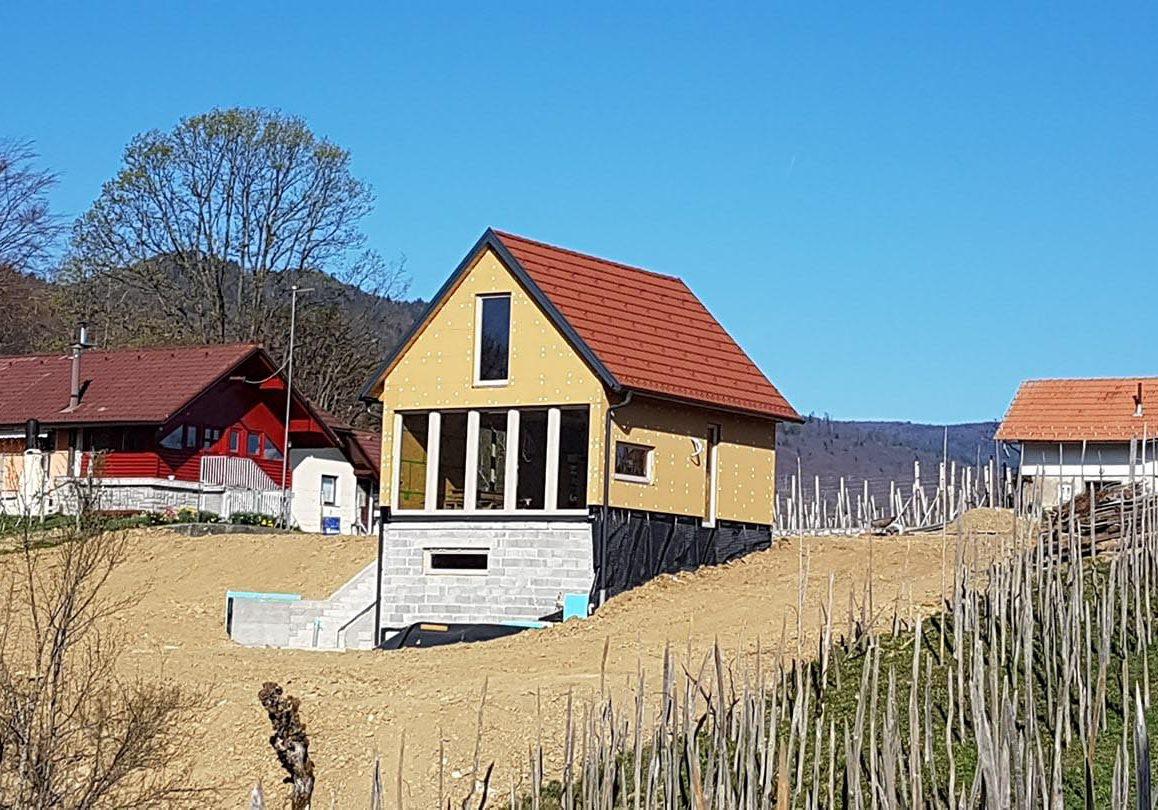 zidanica lesena skeletna gradnja